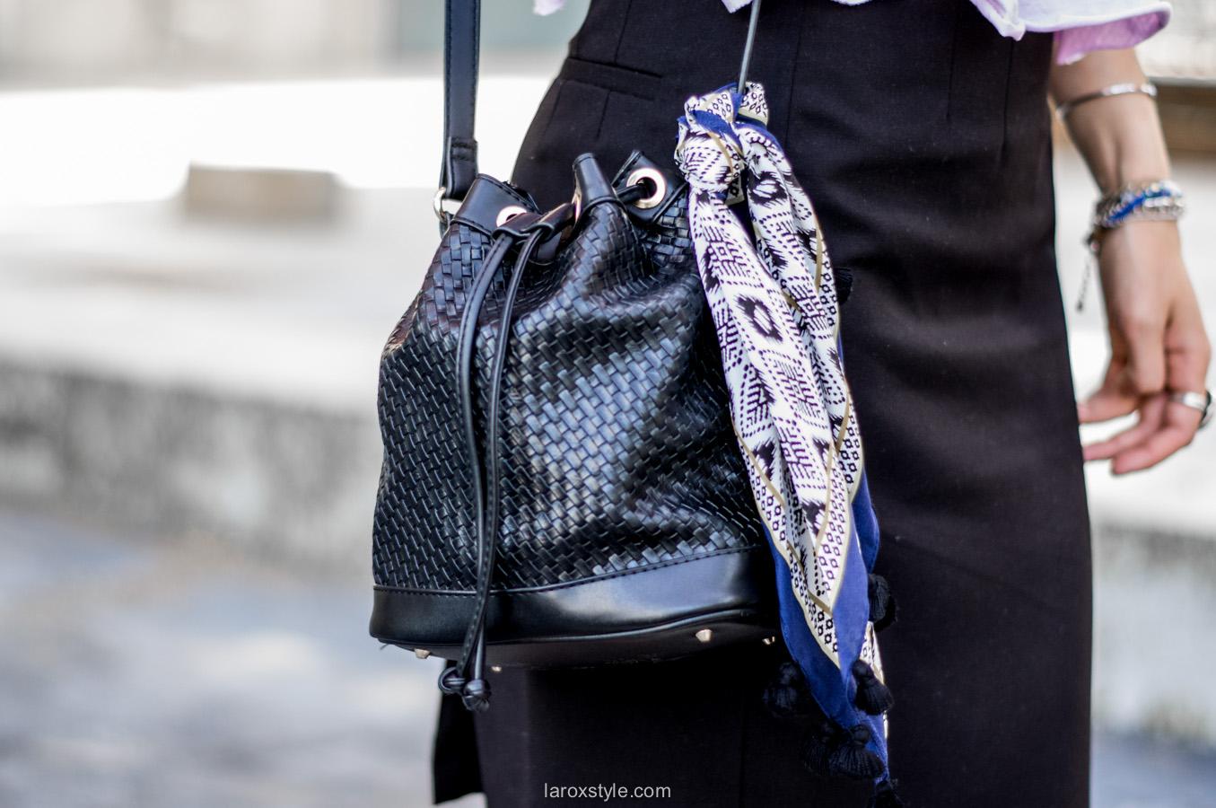 sac sceau - foulard en soie - look