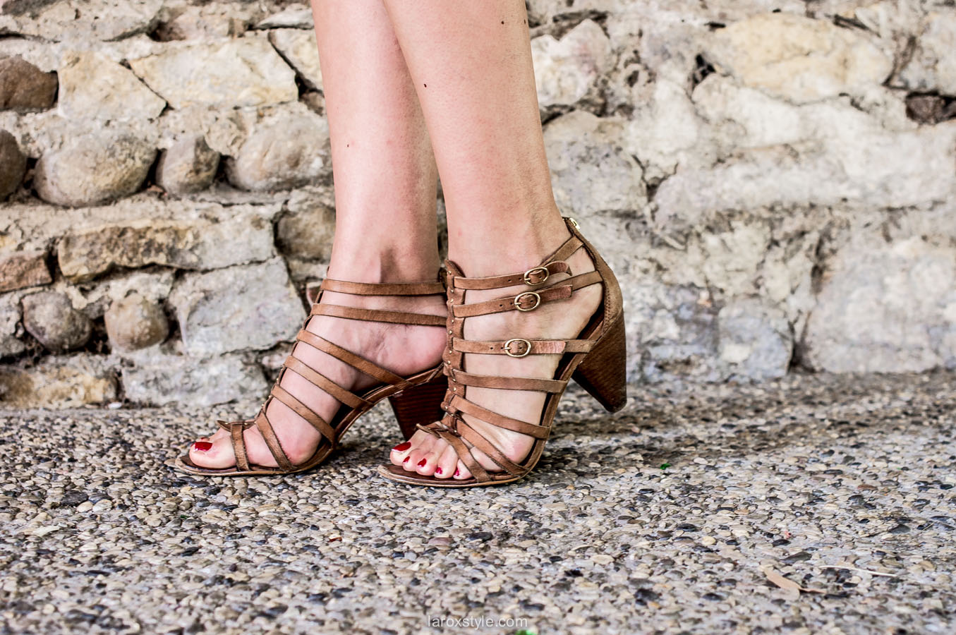 shoes addict - sandales a petit talon - spartiates a talon