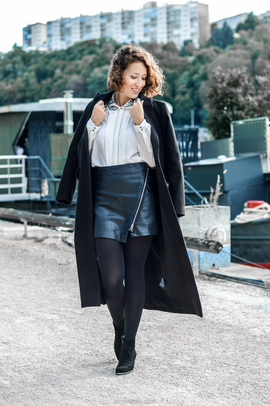 look working girl - jupe simili cuir - chemise strass - laroxstyle blog mode lyon-8