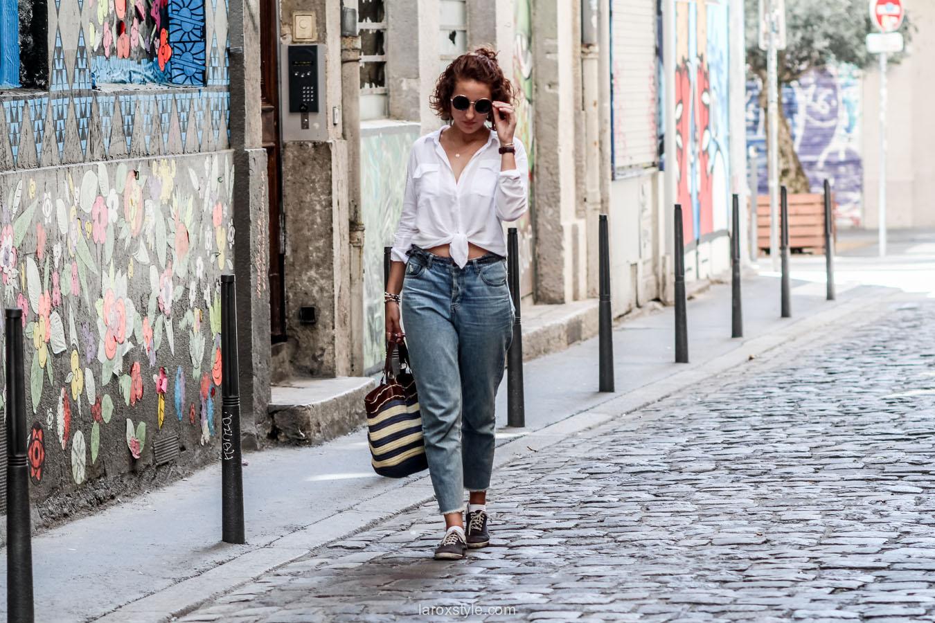 porter le mom jean - chemise blanche nouee - laroxstyle - blog mode lyon