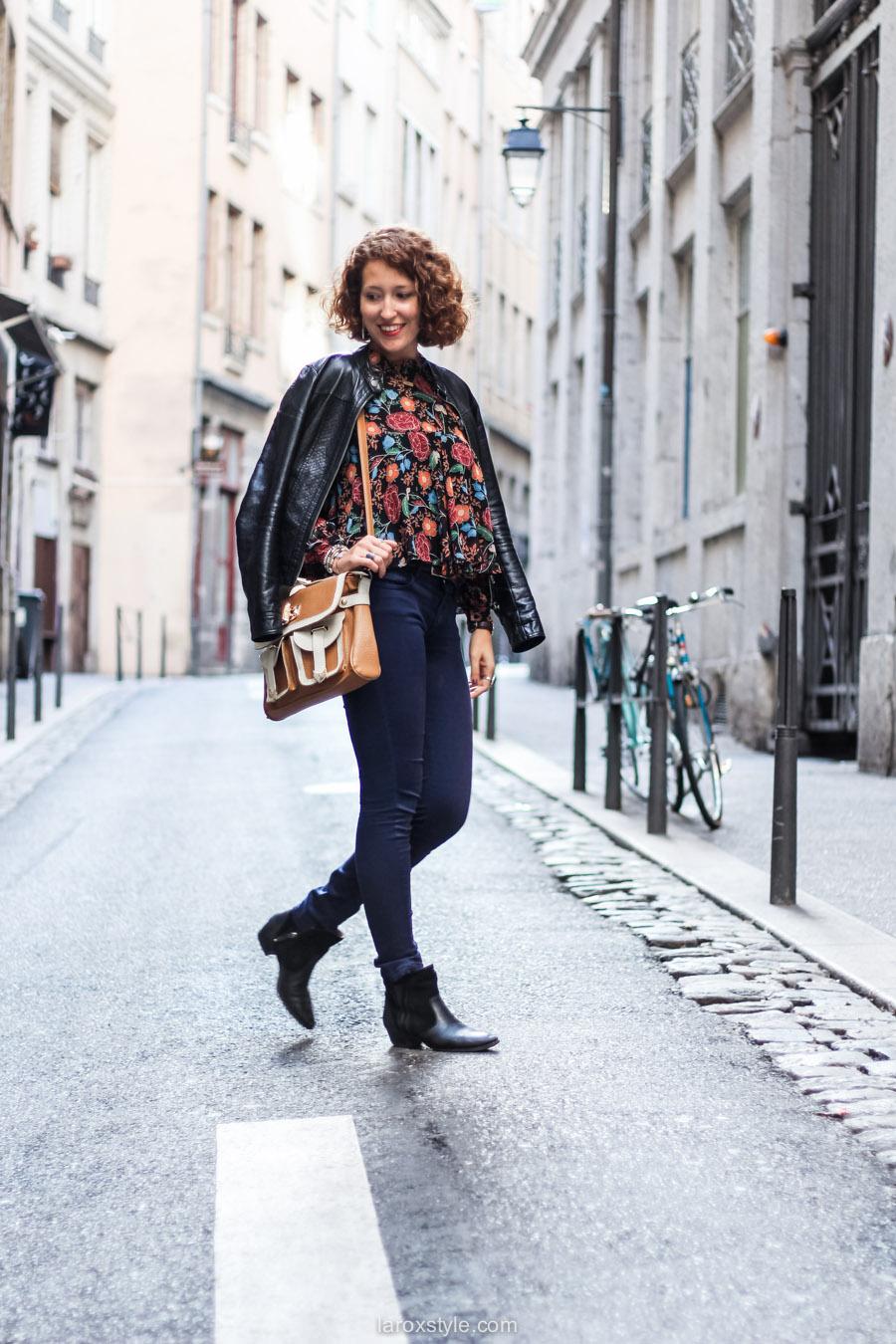 blouse fleurie - sac vintage - laroxstyle blog mode lyon-11