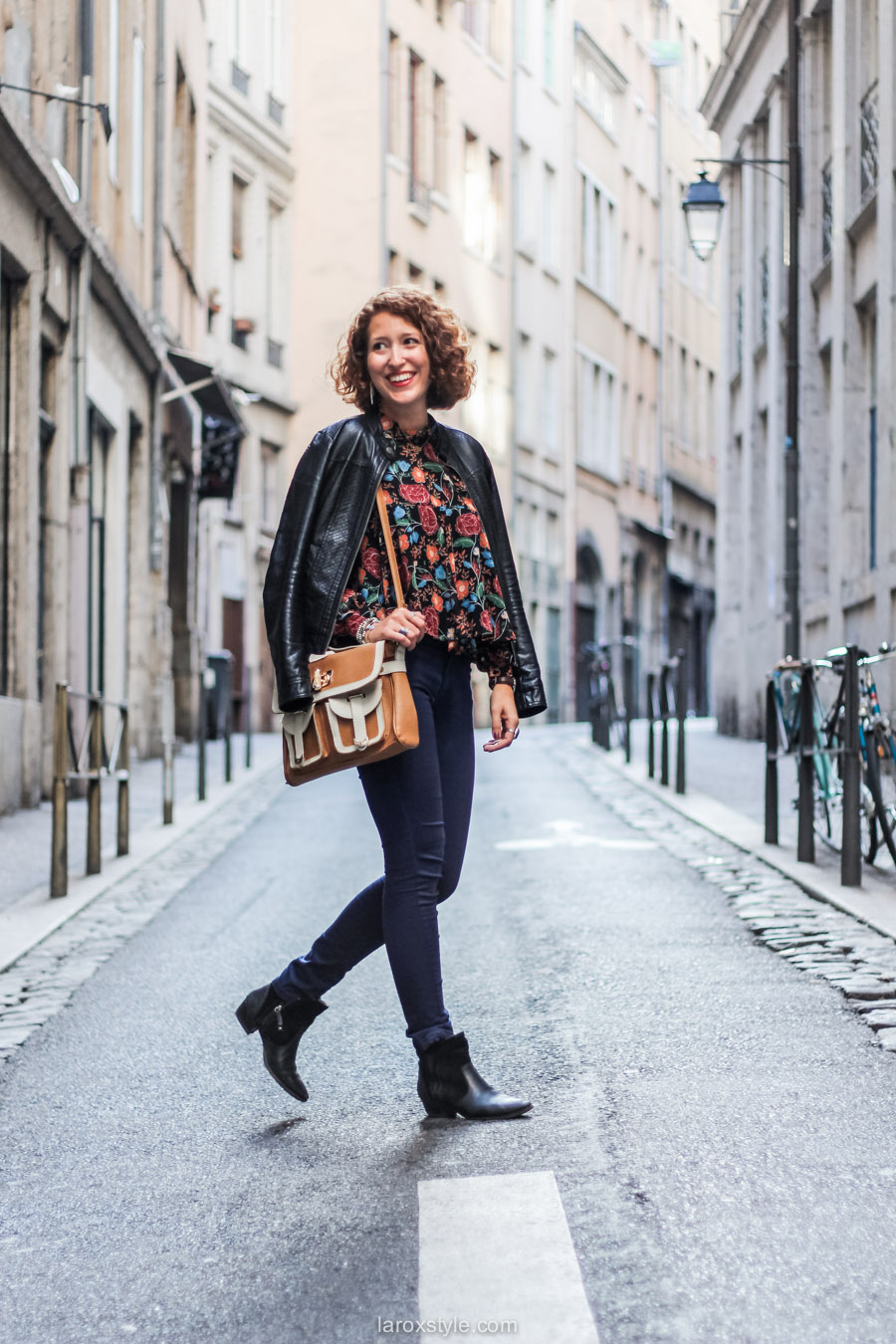 blouse fleurie - sac vintage - laroxstyle blog mode lyon-12