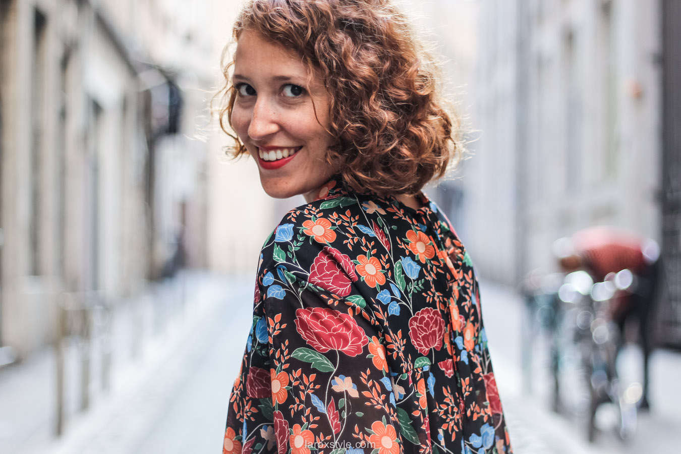 blouse fleurie - sac vintage - laroxstyle blog mode lyon-19