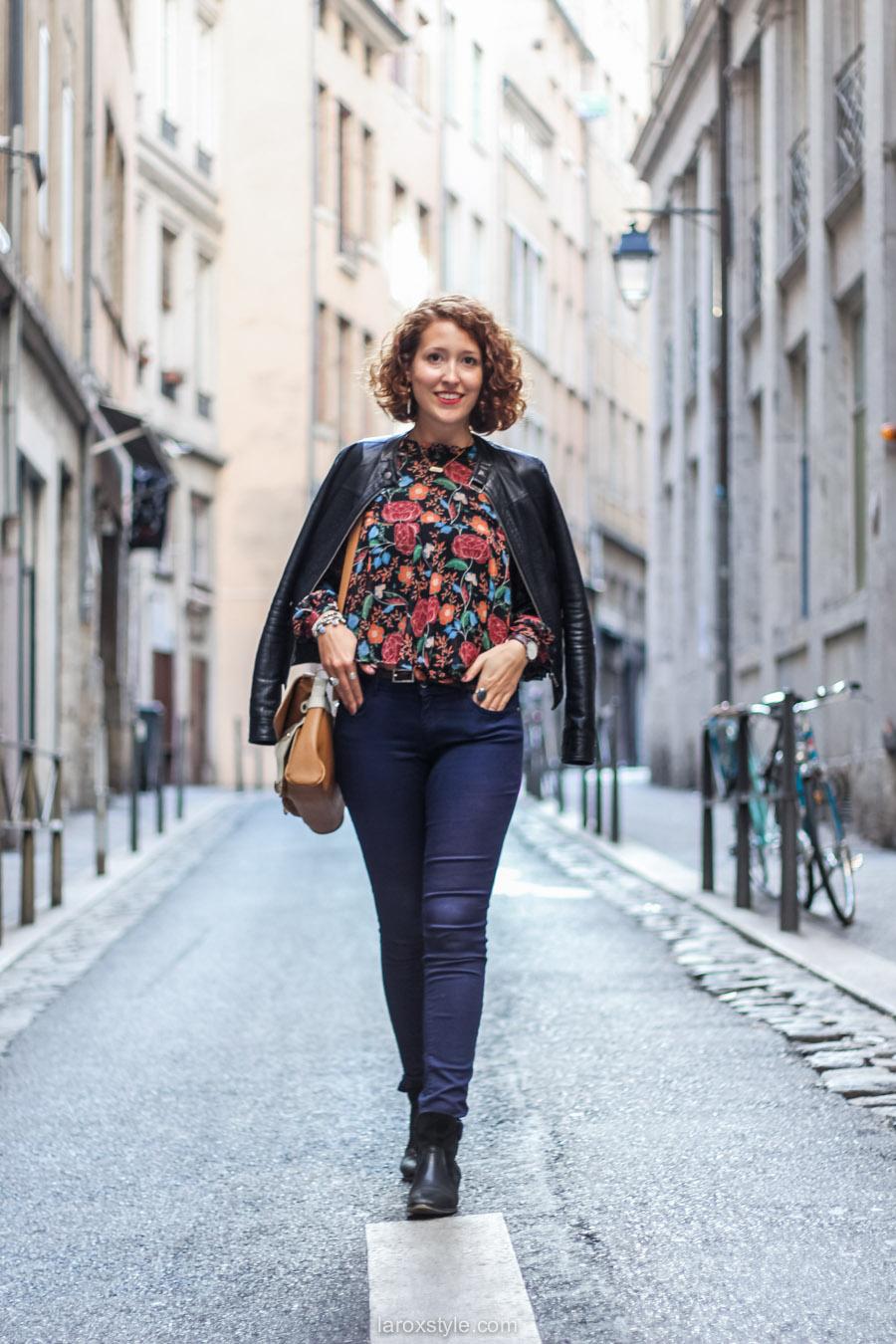 blouse fleurie - sac vintage - laroxstyle blog mode lyon-6