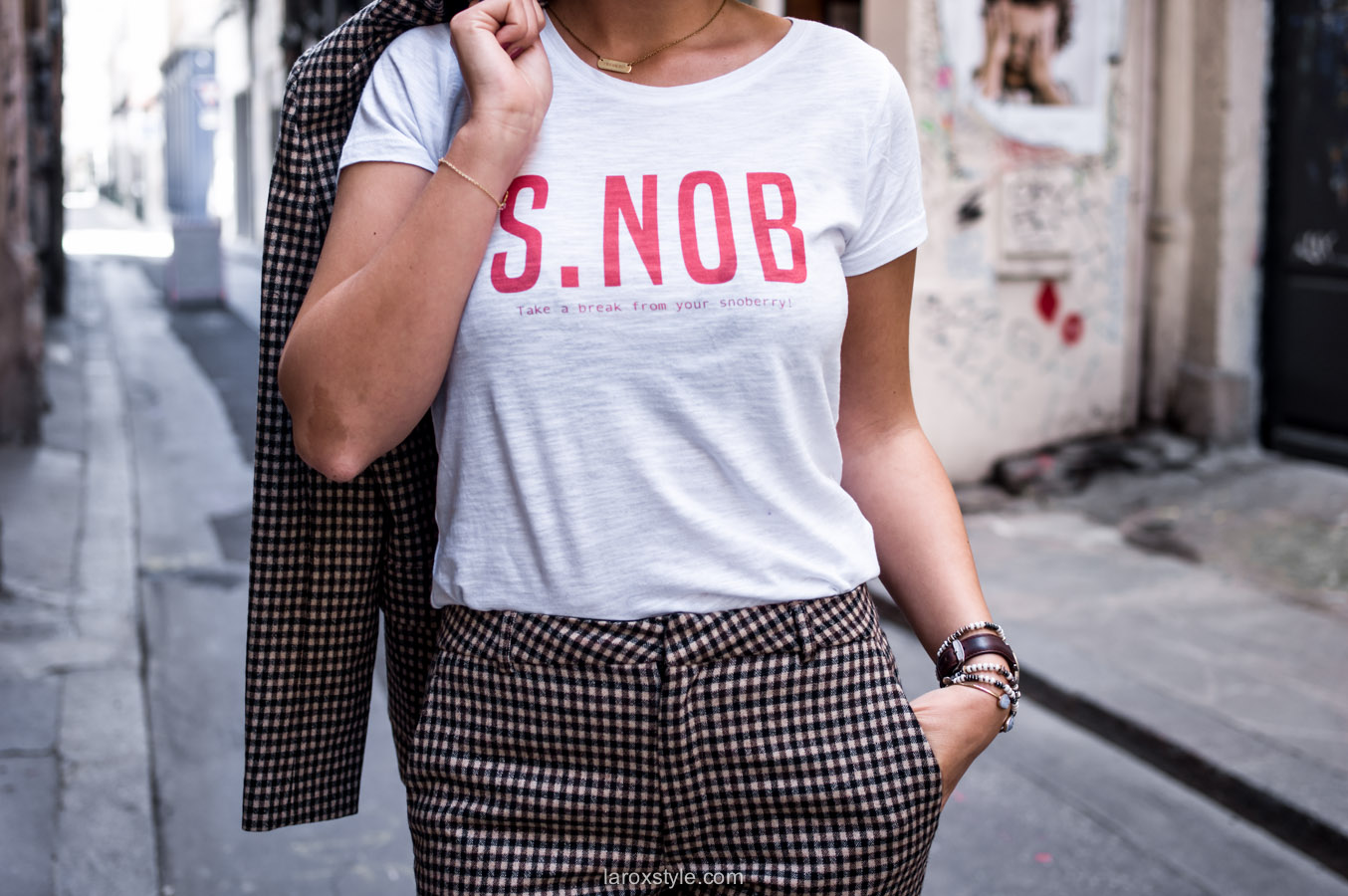 costume femme - tendance costume - t shirt message leonor roversi - SNOB - laroxstyle-10