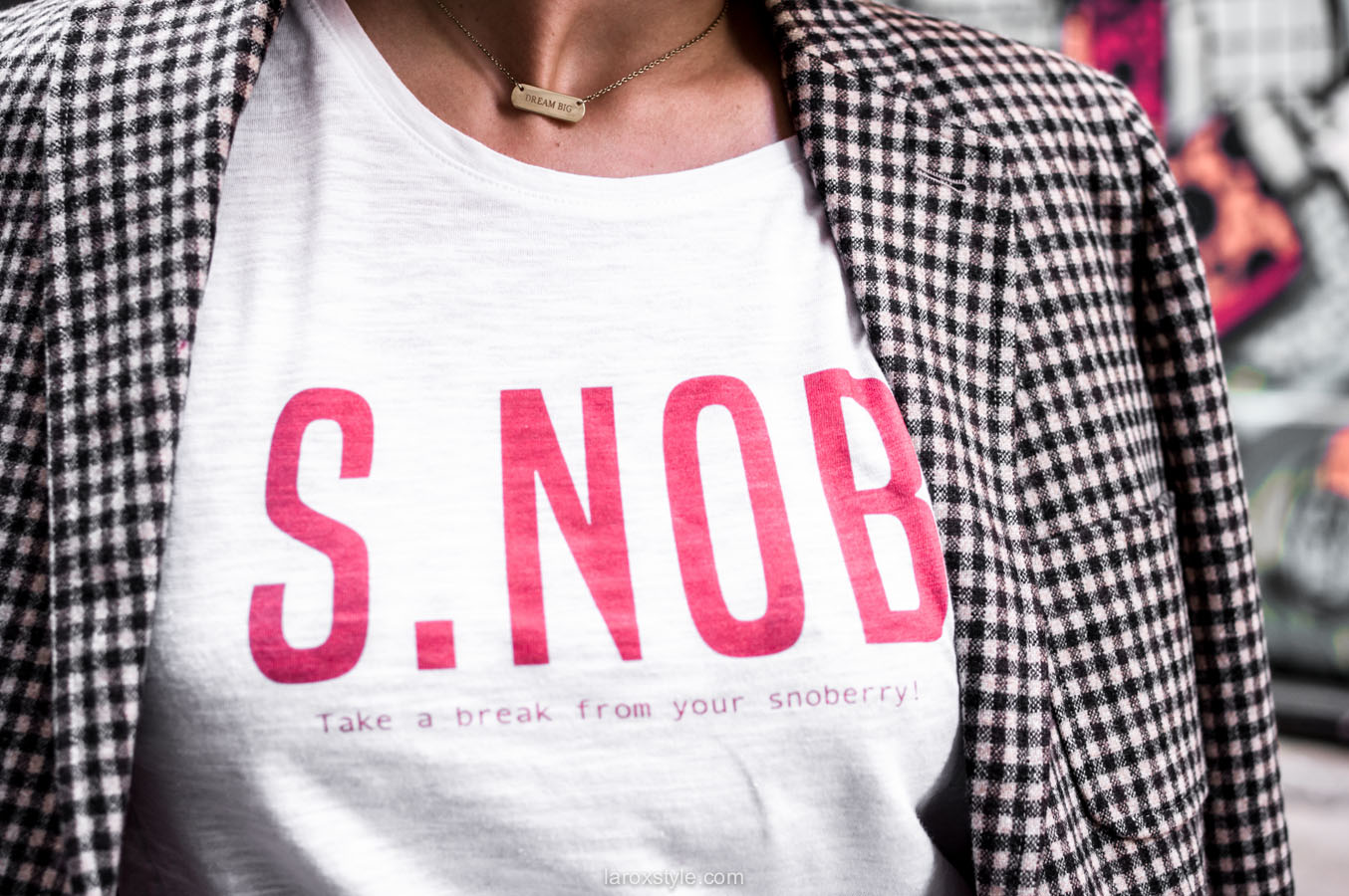 costume femme - tendance costume - t shirt message leonor roversi - SNOB - laroxstyle-7
