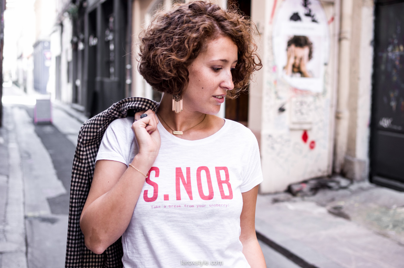 costume femme - tendance costume - t shirt message leonor roversi - SNOB - laroxstyle-8