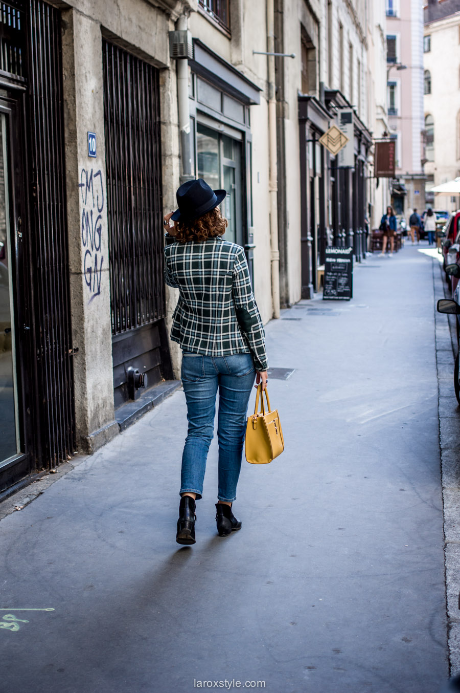 veste a carreaux - look jean troue - laroxstyle blog mode lyon