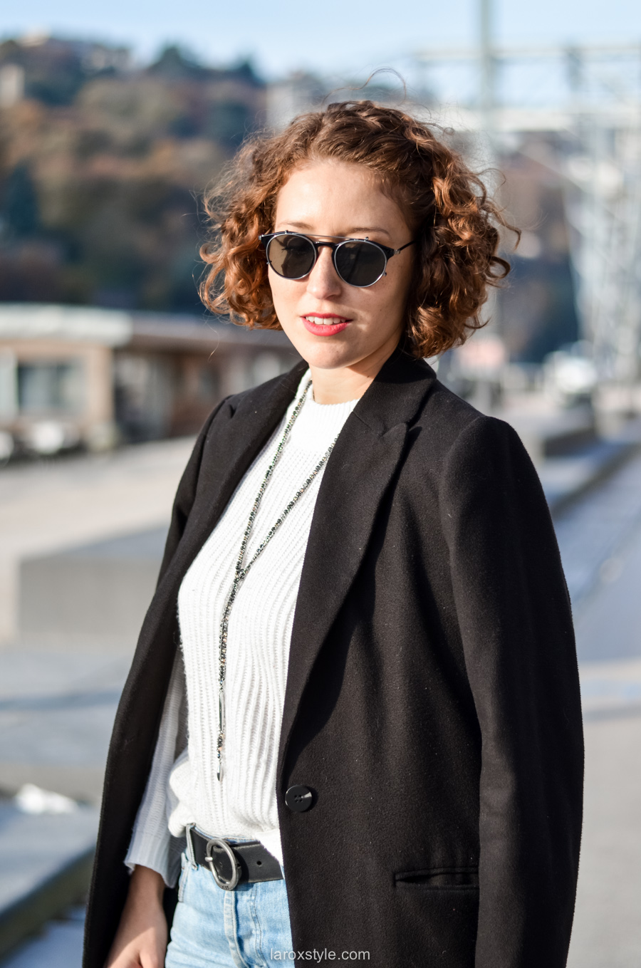 look casual rock - tendance red shoes - mom jean - blog mode lyon-13