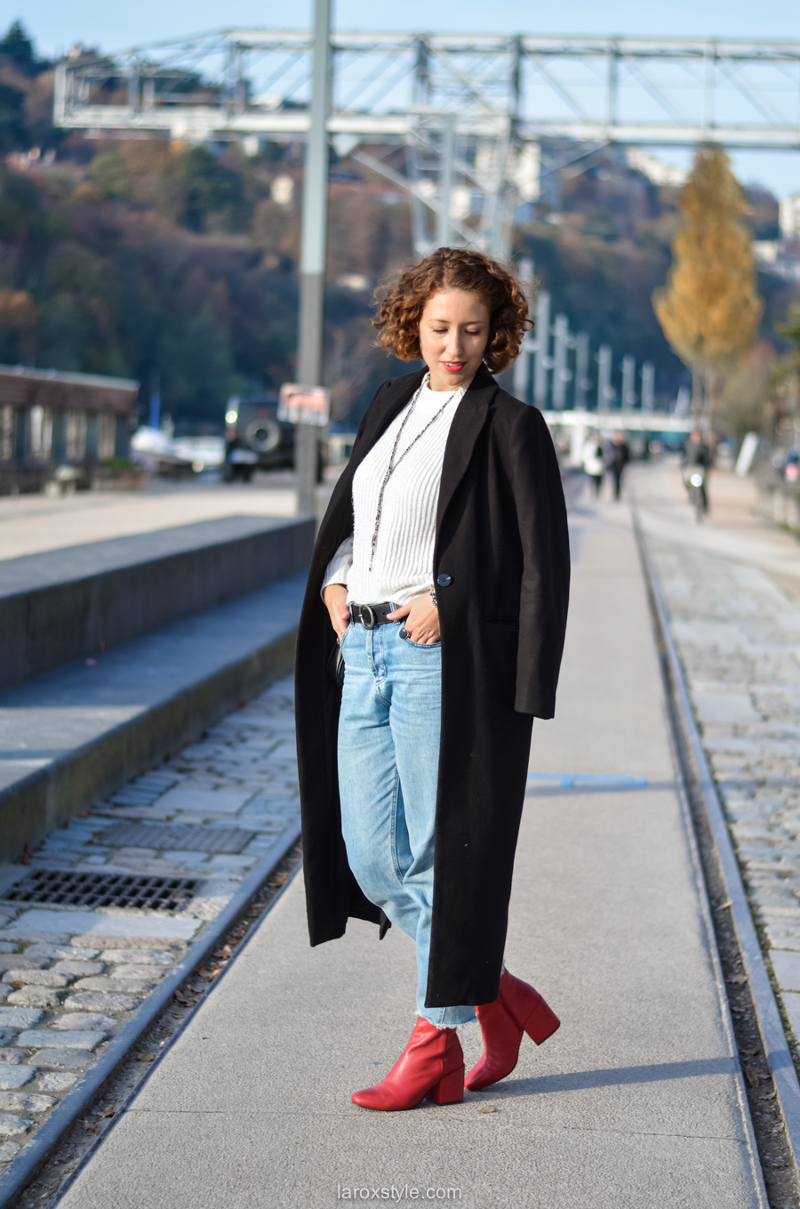 look casual rock - tendance red shoes - mom jean - blog mode lyon-5