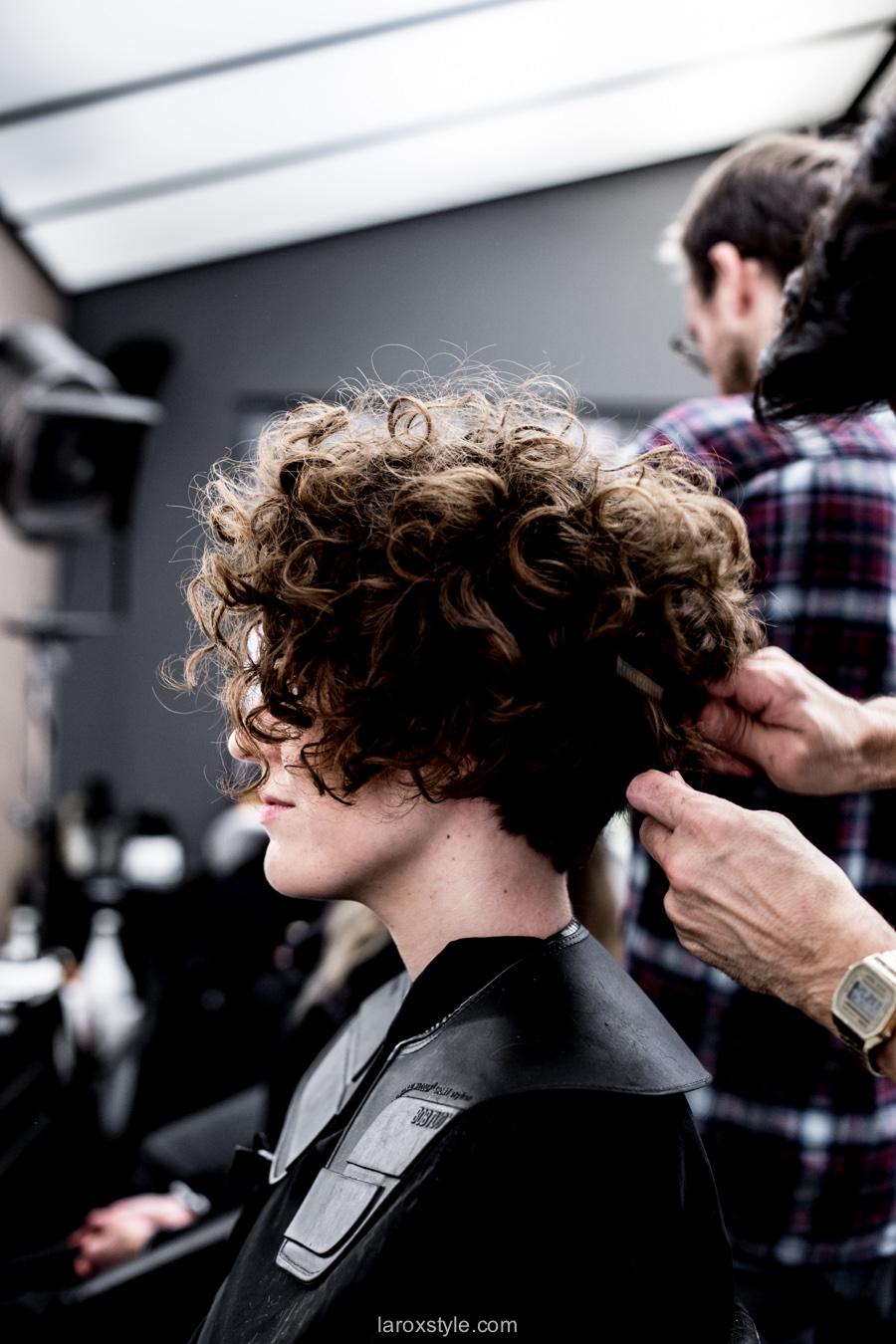 J'ai osé la coupe courte sur cheveux bouclés avec La Loge ! - LaRoxStyle