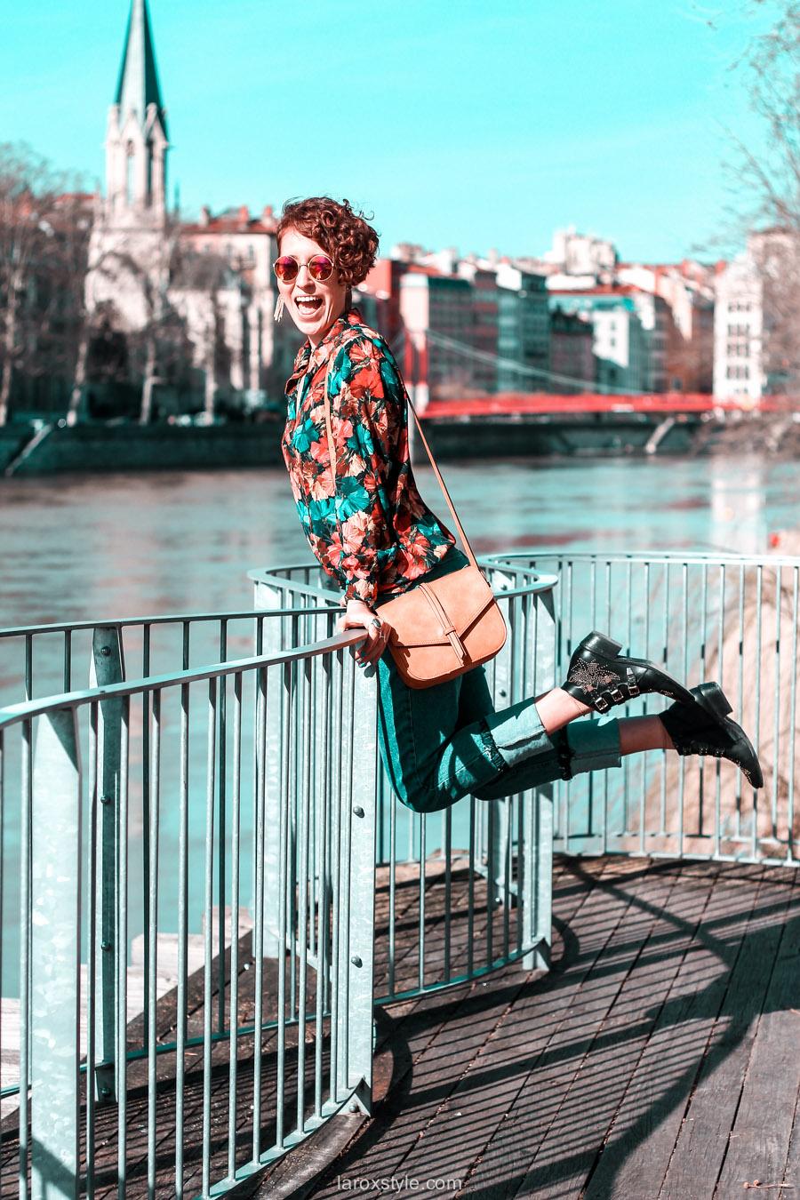 look chemise a fleurs - look rock - jean 7 8 - boots clous - blog mode lyon-7