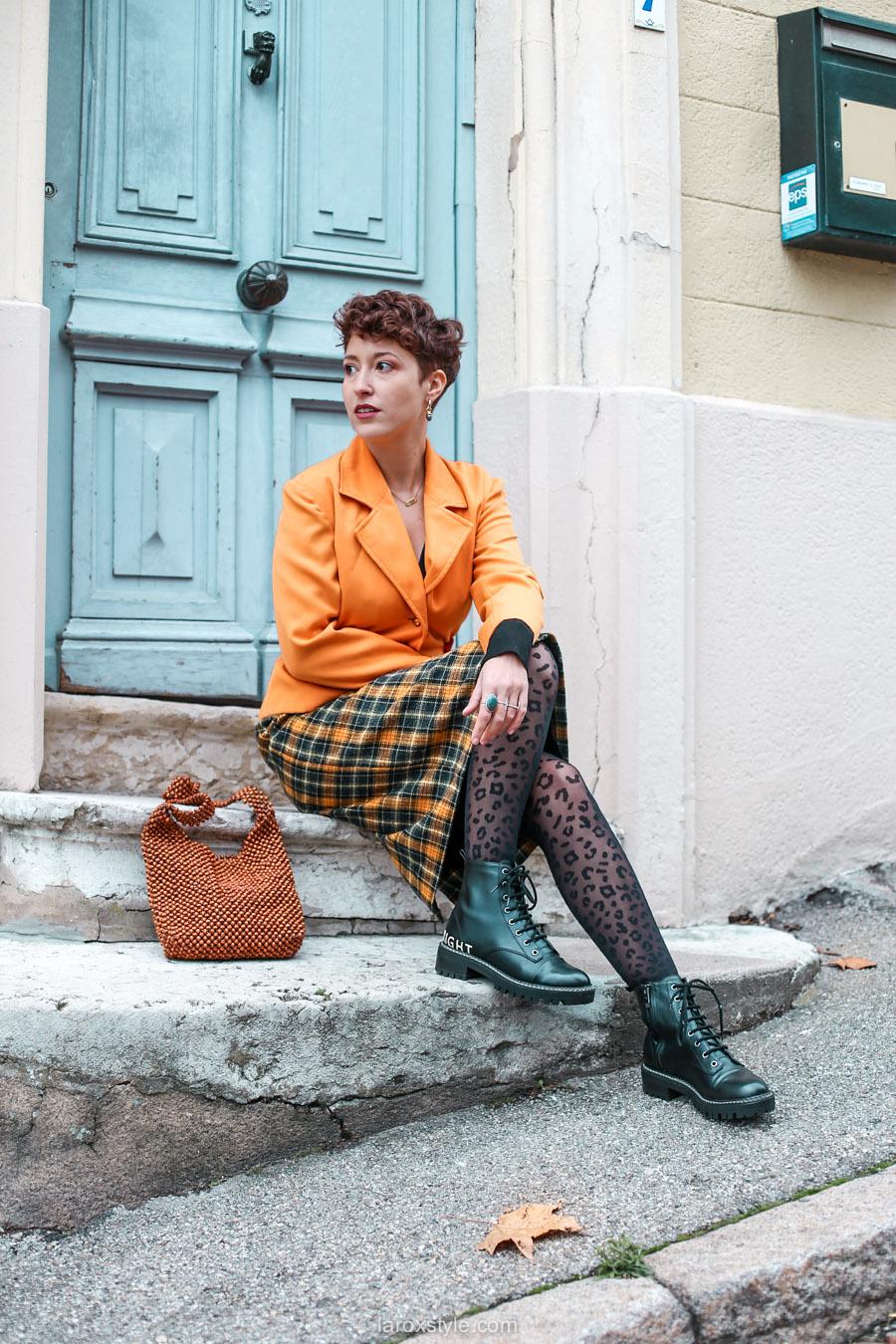 comment oser un look vintage orange pour l automne - chez biche
